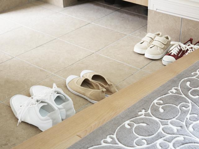 靴が並んでいる玄関